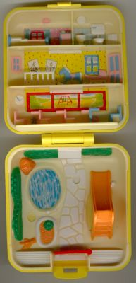 1989 Polly Pocket Midge S Play School Compact